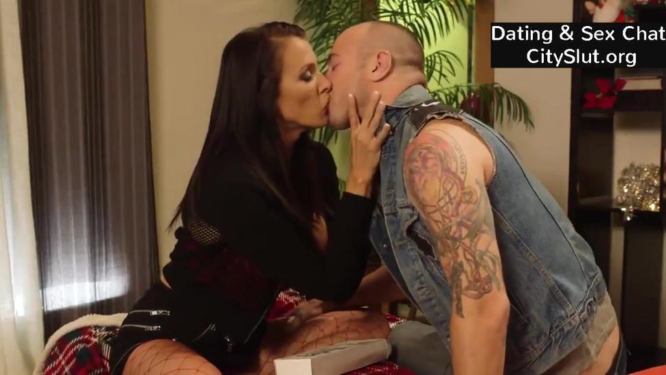 Kendra Lust Hot big-tits american milf