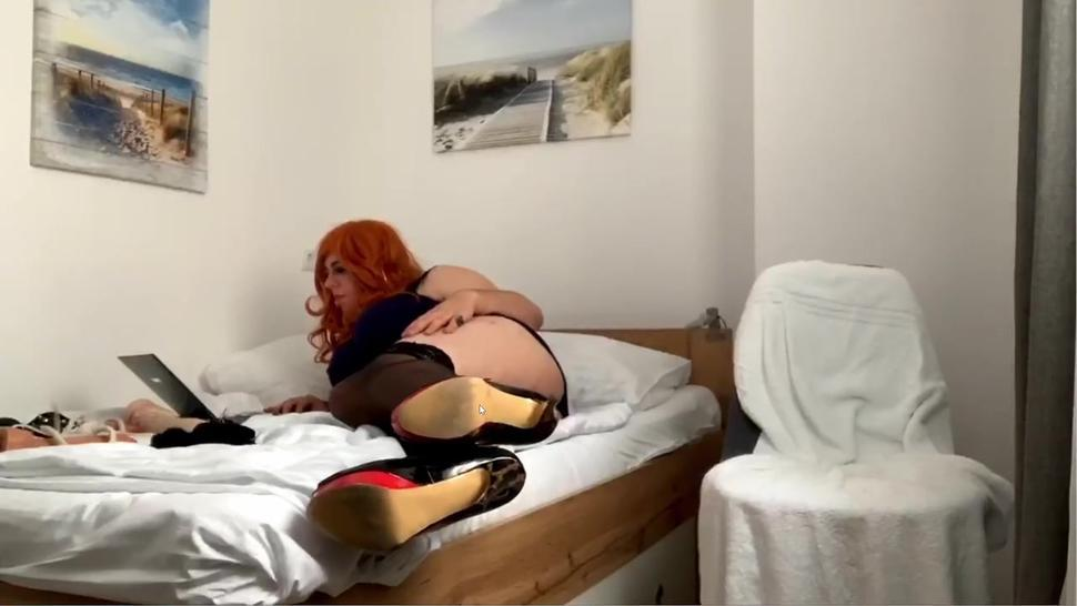 Sexy Teen Redhead Crossdresser Chats with costumers via Webcam while weaing sexy Dress and Heels