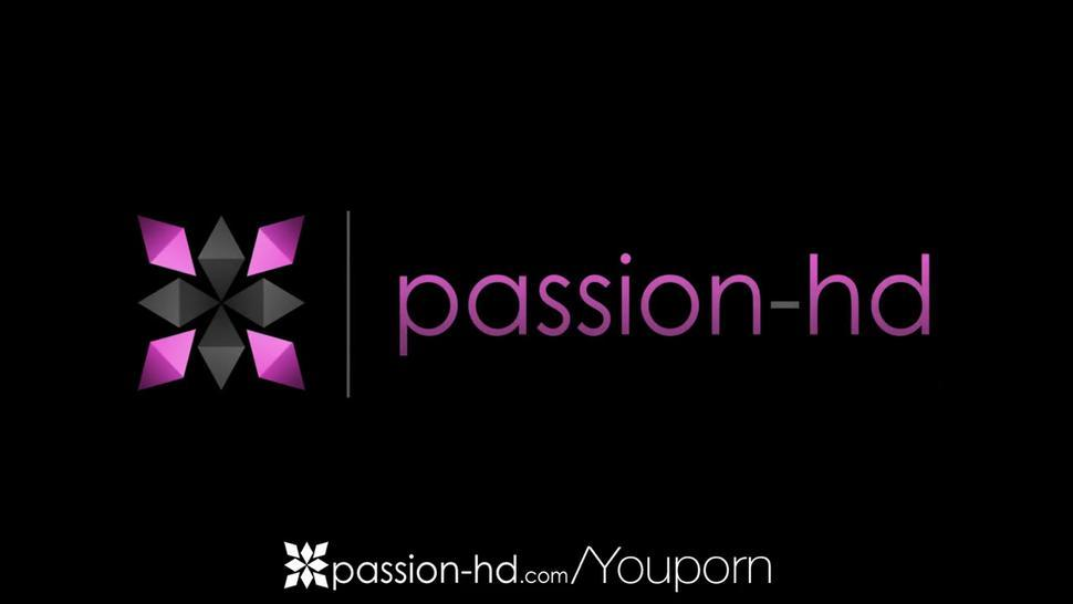 Passion-HD - A morning workout makes Kasey Warner horny for a fat dick