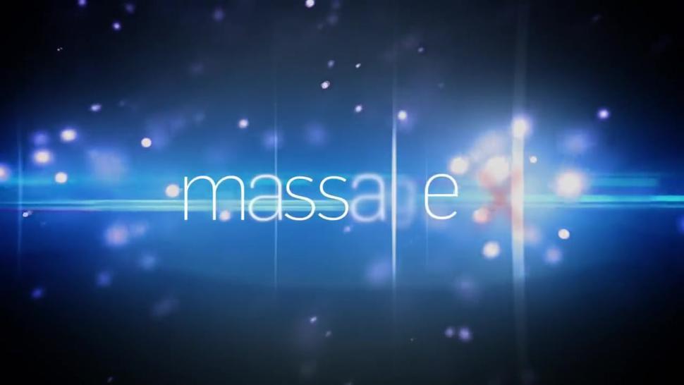 Massage-X - Kitana Lure - Passion on massage table