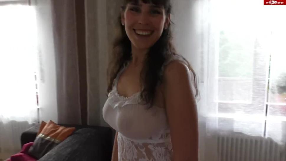 NYLONKITTY - Spritz mir auf die Titten