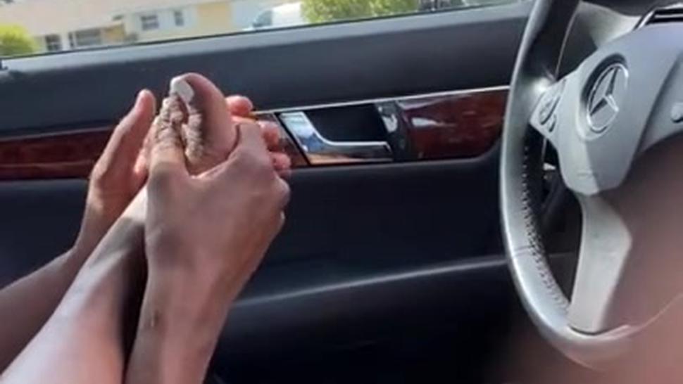 *Hot* Hot* Hot*Ebony Teen Girl Gives Footjob In Driveway