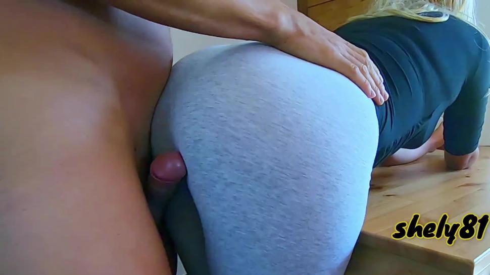 SHE DOES NOT LET HIM PULL IT OUT, AND HE HAS NO CHOICE IF NOT TO COME INSIDE - Whooty