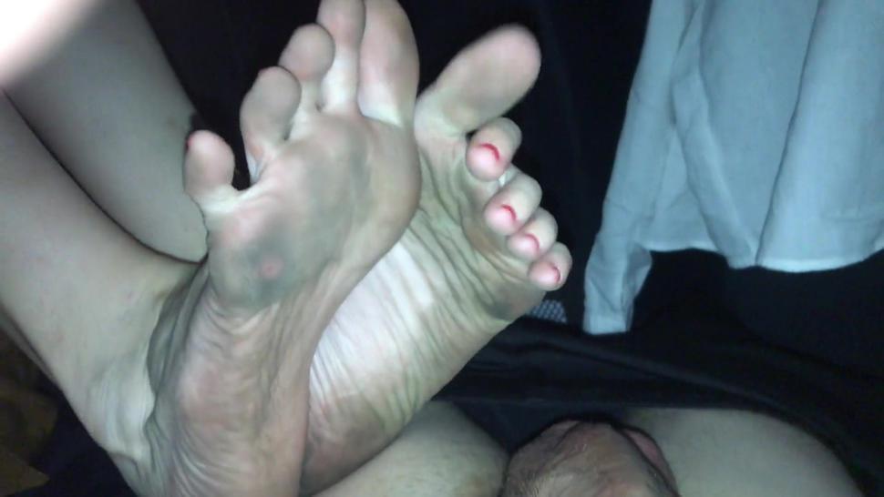 Dirty Soles Footjob In Car - Cumshot - FootRelaxxx