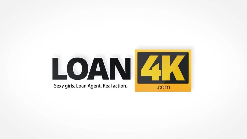 LOAN4K. Une étudiante donne sa chatte à un inconnu pour l'argent nécessaire