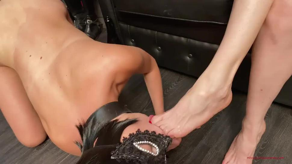 Mistress Victoria Colonna - Female Slave licks wine from the feet her Mistress