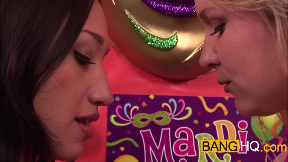 BANGHQ Horny lesbi squirting girls have multiple orgasms