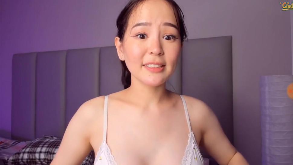 Beautiful Korean girl live webcam