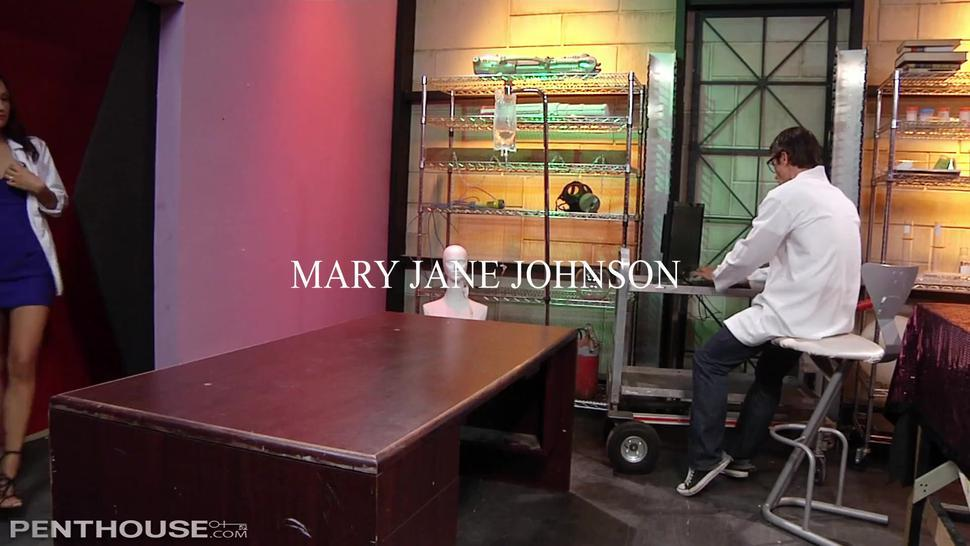 Scientist has his big cock tested out by horny sales rep Mary Jane Johnson