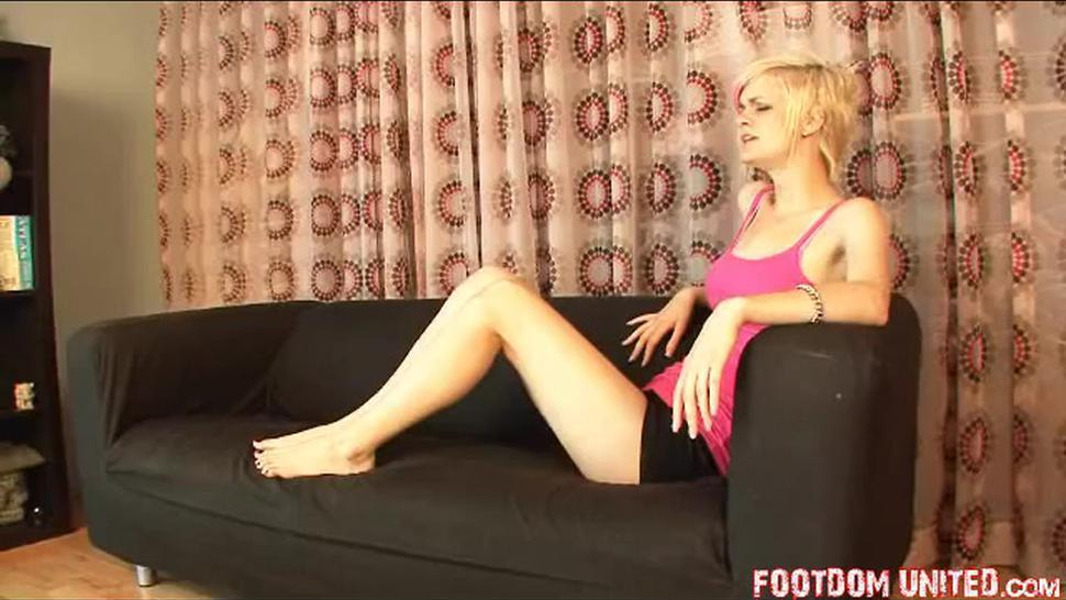 Mistress Stacey feet worship maid