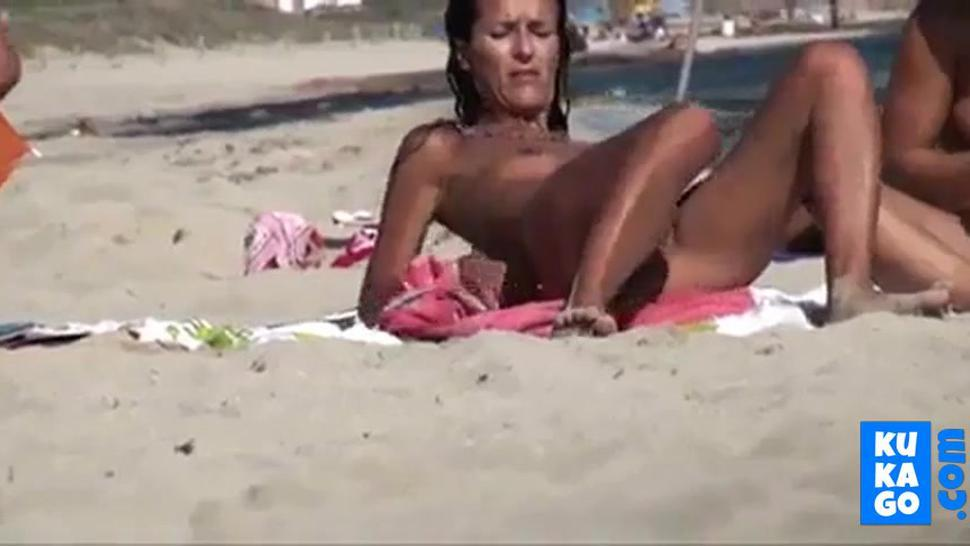 Nude Beach - Hard Nipple Mature