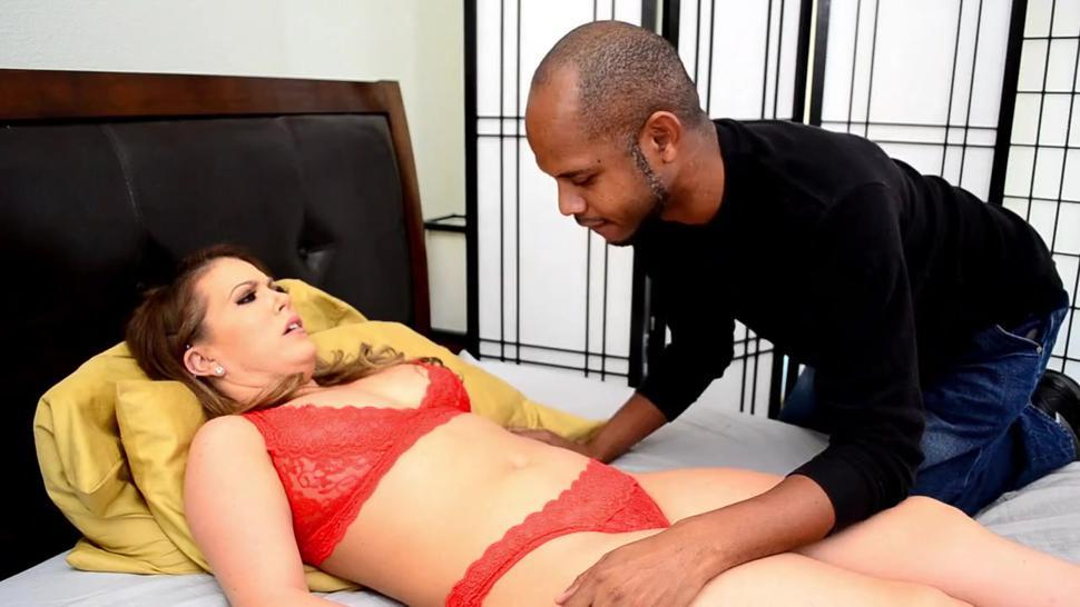 Carmen Valentina in Belly Button Licked by Stranger