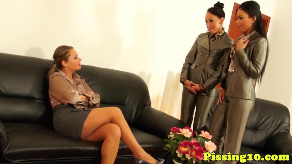 Piss/bizarre/trio lesbian fetish eating pee