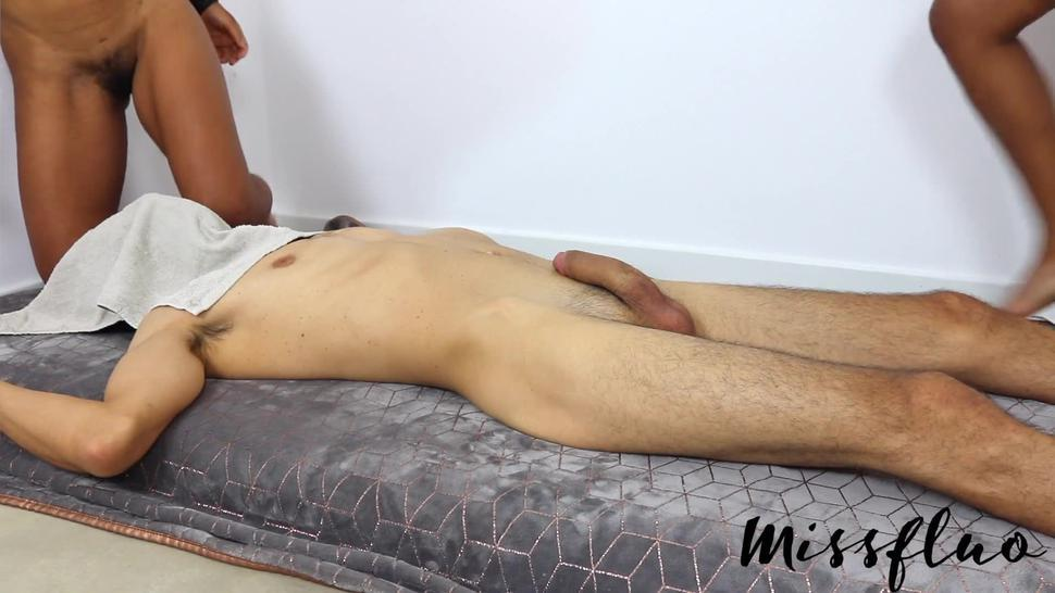 Missfluo - First Time On Cam W/ Sis Handjob Pussy Licking Ffm A138
