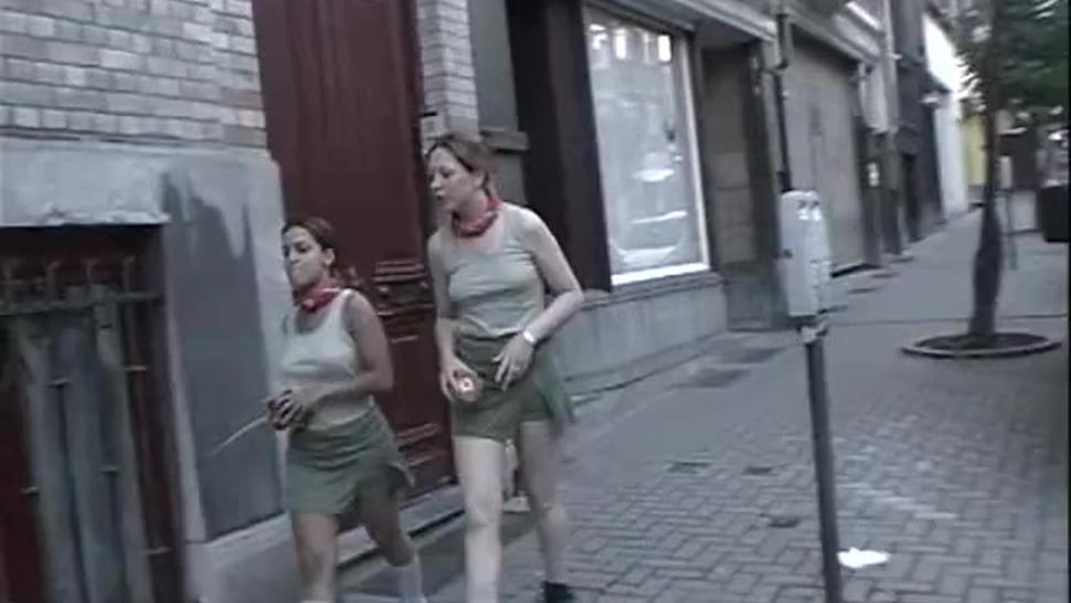 German/blowjob/girls sucks and fucks a