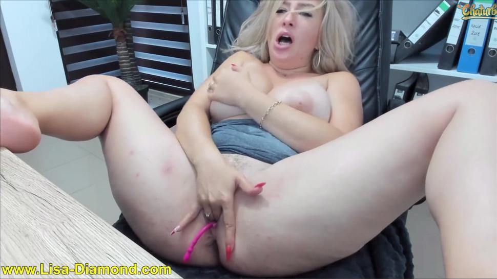 chaturbate camgirl pussy slap - huge boobs shake - huge squirting explosion - fountain rainy squirt
