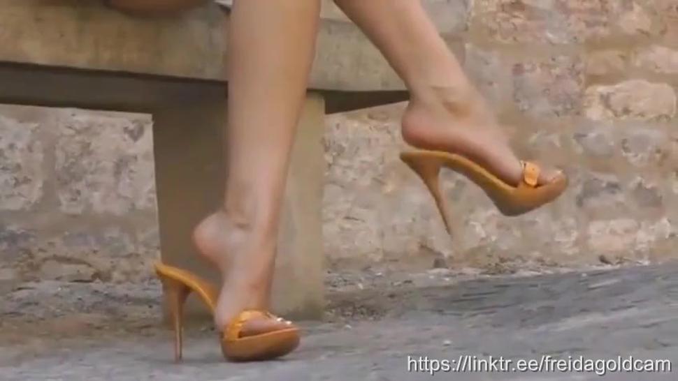 Livejasmin Cam Girl Freid@Gold Yellow High Heels Hot Dangling