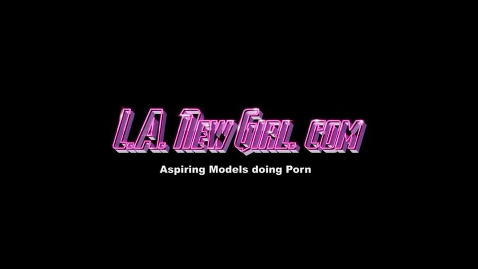 SOUTHERN GIRL SWALLOWS CUM AT CASTING AGENT