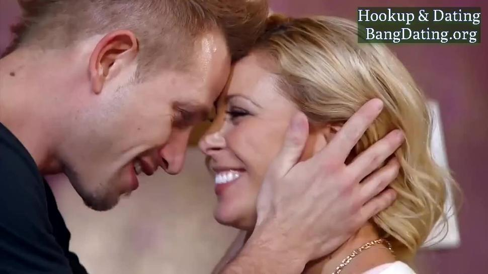 Cherie Deville Blonde Horny Mother Fucking With Stepson
