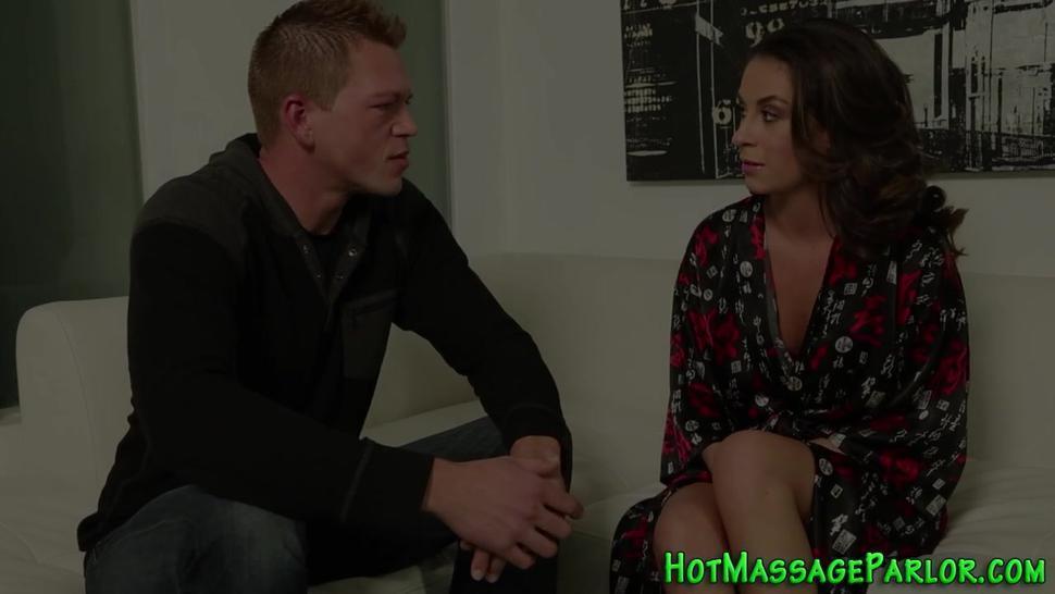 Sexy masseuse sucking dick