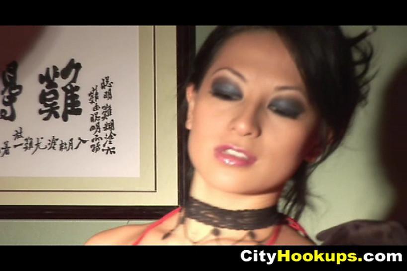 Sizzling Hot Asian Busty Babe Gianna Lynn