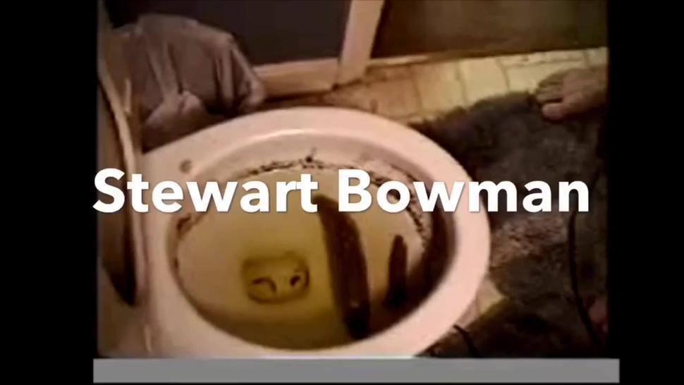 Stewart Bowman Eats Shit