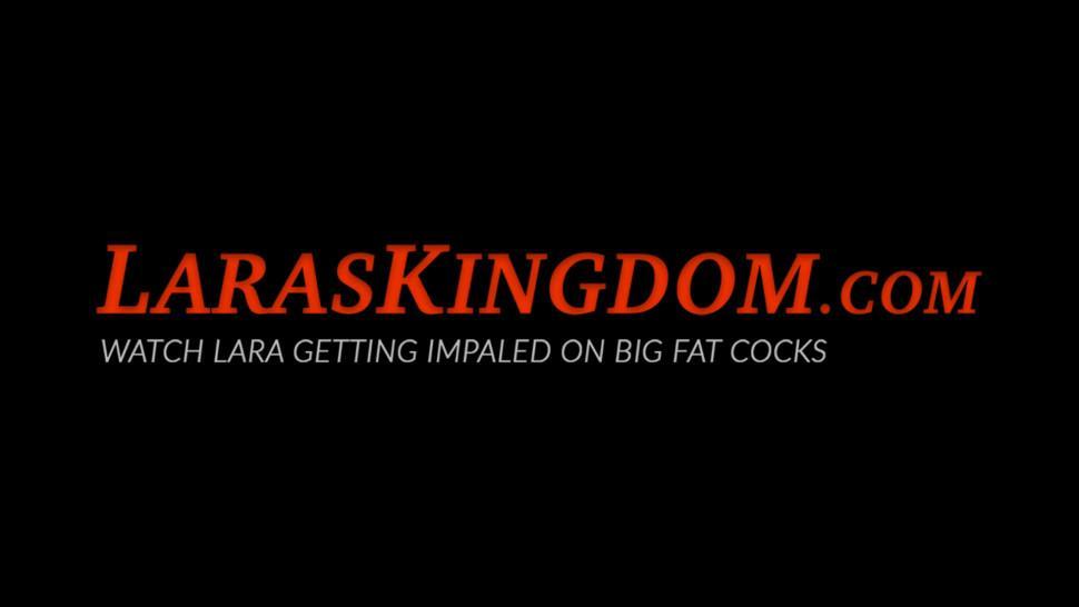 LARAS KINGDOM - Fancy UK mature babe sucking plus massive penis riding too