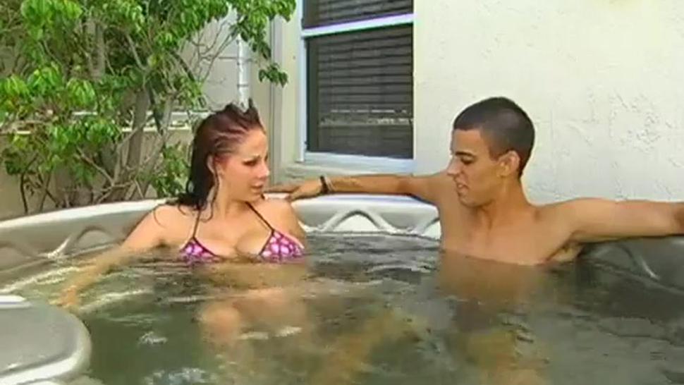 Gianna Michaels Hot Tub