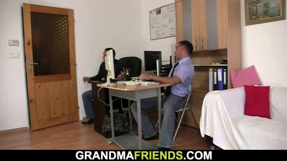 GRANDMA FRIENDS - Two guys seduce blonde mature woman