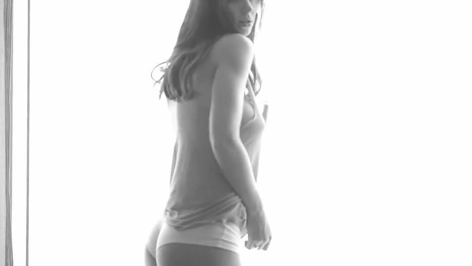 Luisa 22 years girl gyno exam 1080p HD