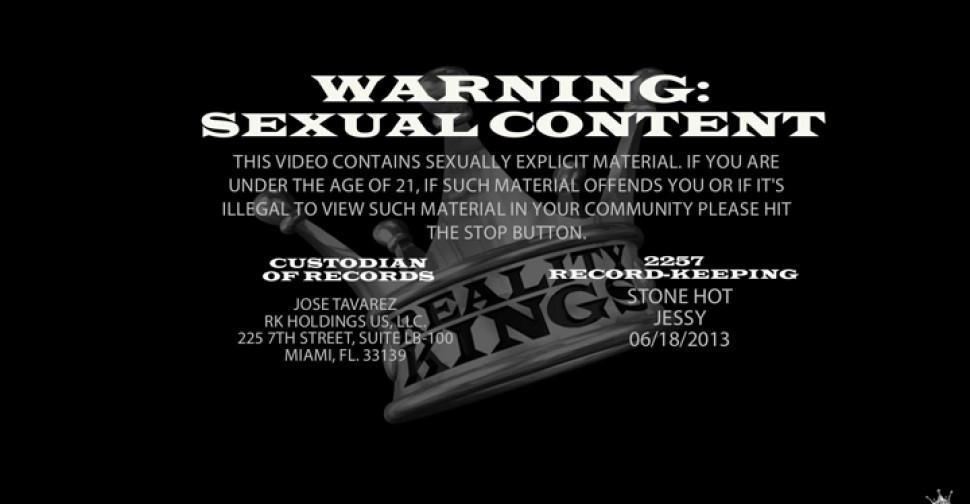 Sexy bitch demonstrates oral skills - video 20