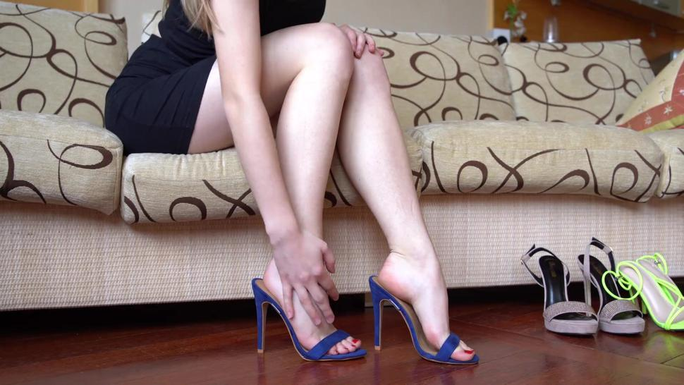 Hot Girl Shows Her Sexy Feet In High Heeled Mules