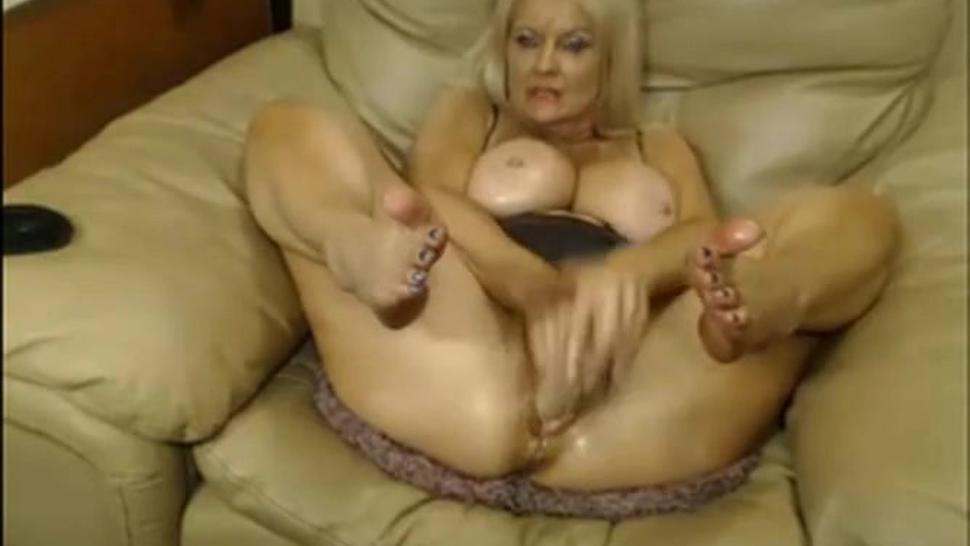 Webcam - Busty 47 year old slut with big pussy teasing 4