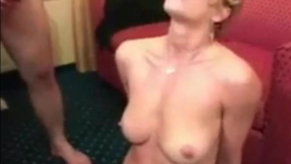 Reife Lady will Sperma