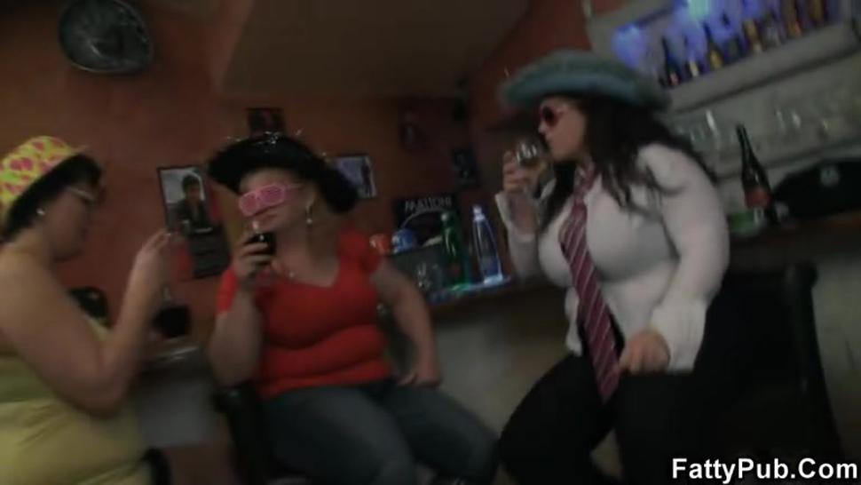 Crazy bbw girls have fun in the bar