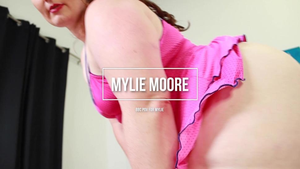 Fat Bitch Versus Fat Dick - Mylie Moore