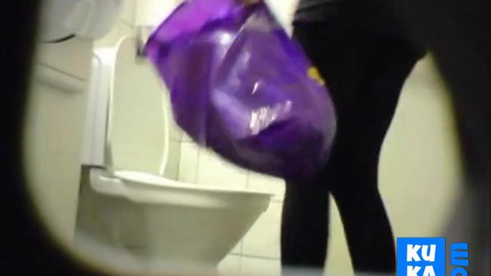 Blonde amateur teen toilet pussy ass hidden spy cam voyeur 4