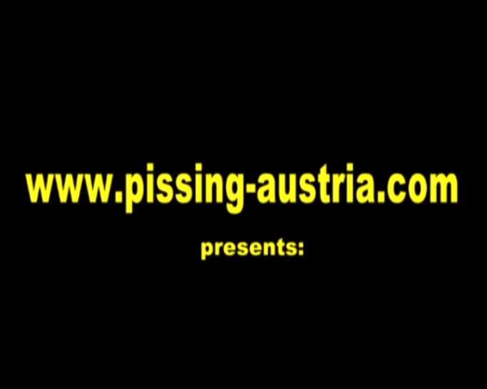 FEMDOM AUSTRIA - Fetish Femdom Ladies and pissing slaves