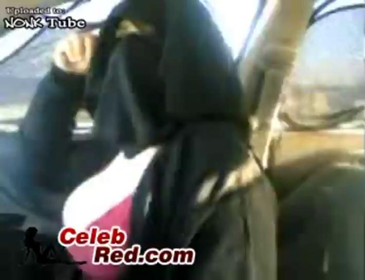 Arab Mature Woman Flashing Boobs and Panties arab