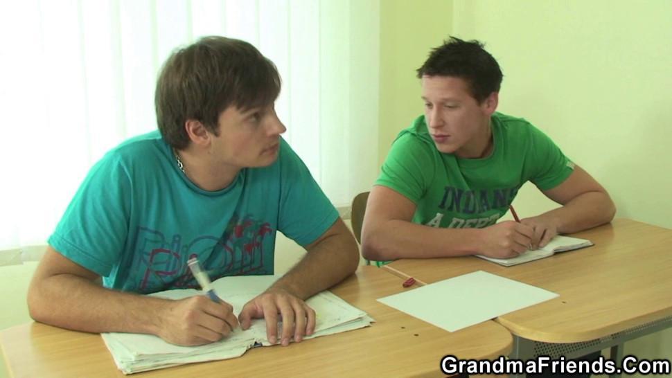GRANDMA FRIENDS - Two boys screw old granny teacher on the floor