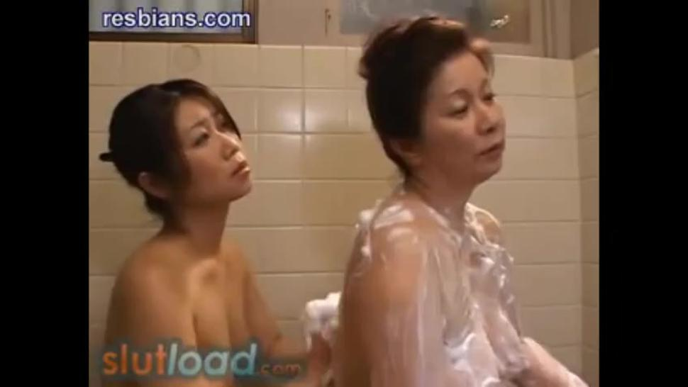Step Mother & Step Daughter Screw In The Bath