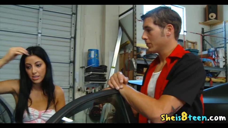Chris Johnson And Kimberly Gates Fuck After Garage Work