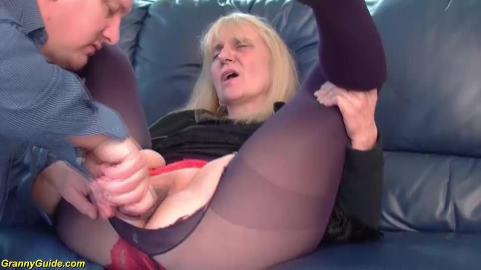 GRANNYGUIDE - first rough anal for 85 years old mom