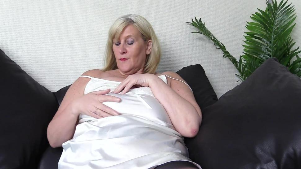 Mature Fully Fashioned Foot Fetish Heaven