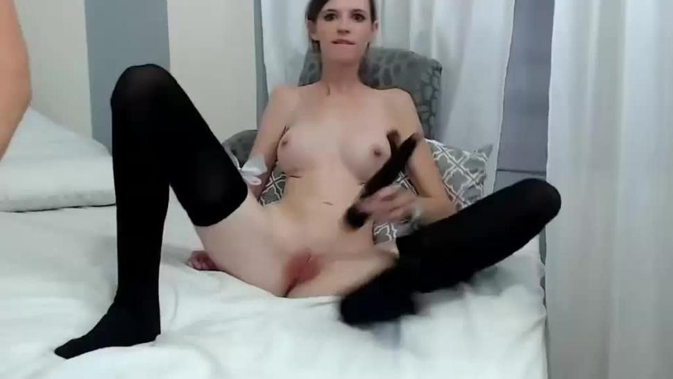 Double penetration face screw and double facial for slim slut live at sexycamx.com