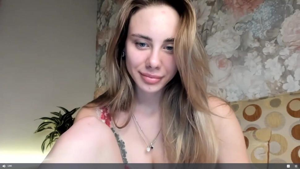 Beautiful Russian Blonde - CAM4 - Alexiaxxx20