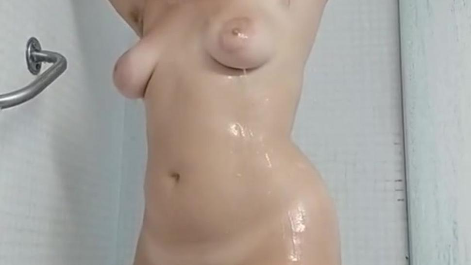 Argentinian Girl Have A Good Shower Showing PAWG Big Booty