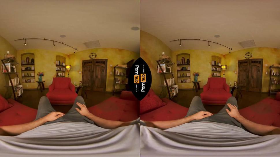 VR top tier milf
