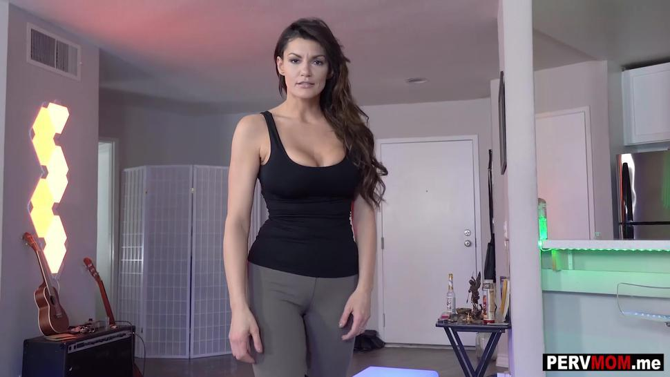 My MILF stepmom Becky Bandini ignored by dad but not by me