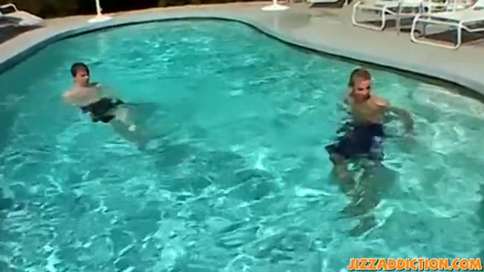 Threeway at the pool with sexy young men enjoying themselves
